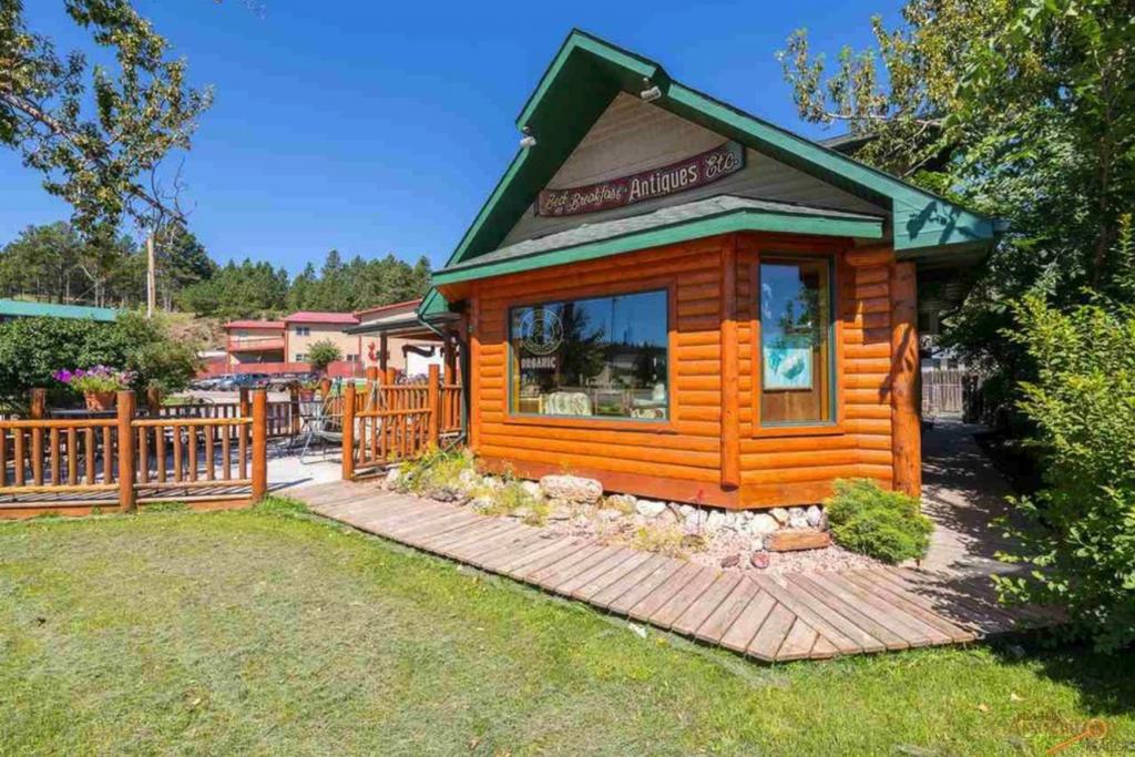 Mountain Peaks Inn